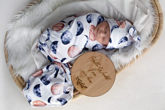 'Over the Moon' Swaddle Blanket & Top Knot Beanie Set