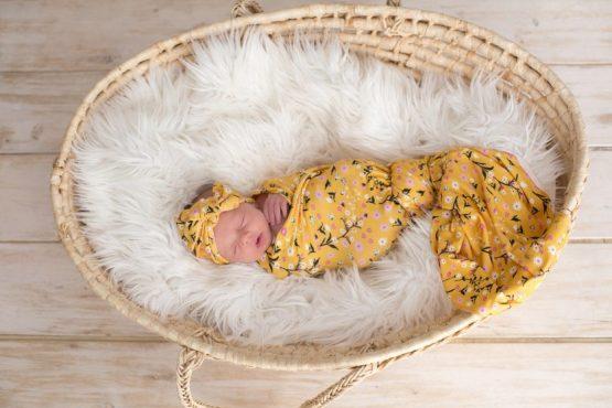 Babys Breath Swaddle & Headwrap Set